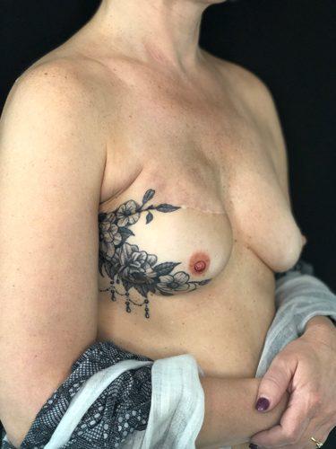 Tatouage 3D sein droit 375x500